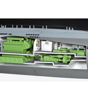 Deutsches U-Boot Typ XXI mit Interieur